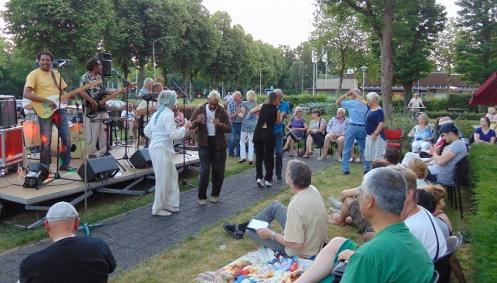 Zomeravondconcerten bij wijkcentrum 't Houwke